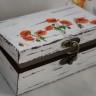 ",,Maci"", caseta bijuterii cu alura vintage, realizata prin shabby chic si decoupage, pictata si lacuita manual; am manifestat o grija aparte si pentru interiorul cutiei; 15X9X6 cm; VANDUTA"