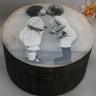 Caseta ,,Sweet kiss 1″, cutie mare, rotunda, vintage, realizata prin tehnica decoupage si invechita cu patine, lacuita manual; VANDUTA