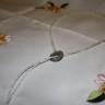 """,,Drumul…perlelor"""", colier deosebit, realizat din perle de cultura si inel din sidef gri cu irizatii de curcubeu; perlele sunt mici si fine, pe insiruire dubla; colierul este foarte lung (77 cm), si prinderea lui se face ingenios, prin simpla trecere a capatului liber prin inelul de sidef, reglandu-se mai sus sau ma jos, dupa plac; UNICAT; VANDUT"""