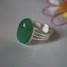 Inel Aventurin verde; realizat din piatra naturala semipretioasa (aventurin verde) fixata din cadru reglabil placat cu argint; realizat la comanda; indisponibil