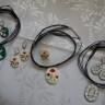 Seturi bijuterii din lut modelat si pictat manual; comanda speciala; pretul afisat este pentru un set; seturi vandute