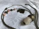 "Colier ,,Ghinda alba""; realizat din pietre semipretioase si accesorii metalice din bronz; ,,ghinda"" este o agata alba; lant lung, circa 95 de cm; comanda speciala; VANDUT"