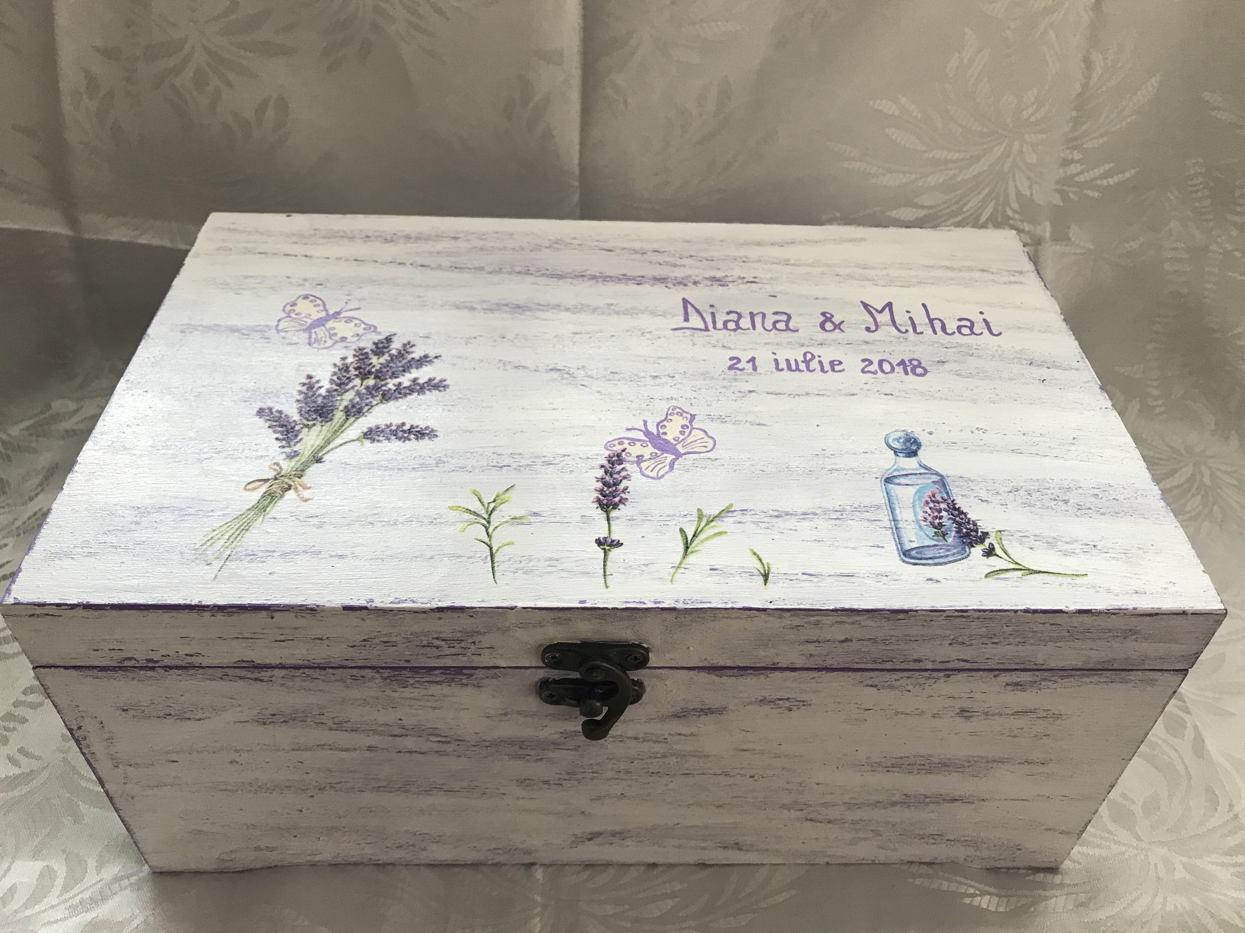Cufar pentru darul de nunta; lemn, calitate superioara; lungime: 30 cm; pictata si decorata manual; se lucreaza pe comanda