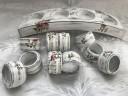 Inele delicate pentru servete de masa; lemn pictat si decorat manual; lucrate in tehnica de invechire shabby chic; pretul afisat se refera la un inel; se lucreaza pe comanda