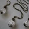 """,,Boabe de cristal de stanca"""", un set simplu si de impact, realizat din bile mari de cristal de stanca (2 cm) si accesorii metalice din bronz; colierul este lung (1 m); VANDUT"""