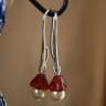 Swarovski 02, cercei realizati din perla Sw light gold de 6 mm si clopotel din sticla de Cehia rosu rubiniu (in foto culoarea a iesit mai deschisa); toate accesoriile tehnice sunt placate cu argint; lungime totala: 38 mm; VANDUTI