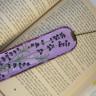 Semn de carte ,,Lavanda 1″, lucrat pe piele naturala si cu margele din ochi de pisica; pictat si lacuit manual; comanda speciala; VANDUT